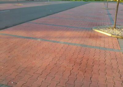 parkoviště zámková dlažba
