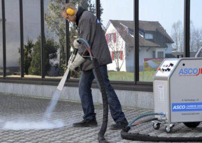 čištění tryskání suchým ledem