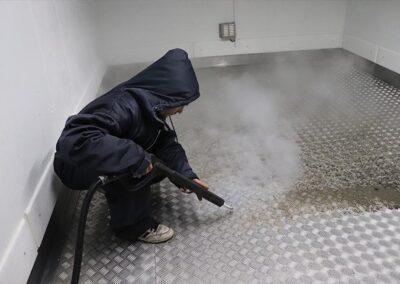 čištění mrazícího boxu